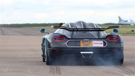koenigsegg one 1 top speed koenigsegg one 1 launch control and flybys at hypermax