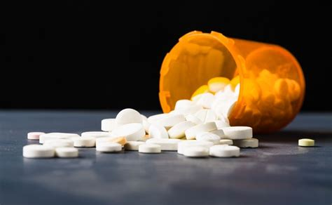 How Does It Take To Detox From Vicodin by How To Recognize The Warning Signs Of Vicodin Abuse