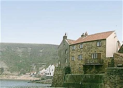 Fishermans Cottage Ref 10250 In Staithes Nr Whitby Cottages In Staithes