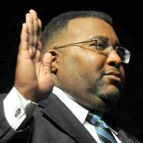should shreveport residents pay mayor glovers legal why the law is the law forward now