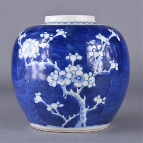 white ginger jar l chinese blue white cracked ice ginger jar