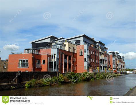 immagini appartamenti moderni appartamenti moderni di canalside fotografie stock libere