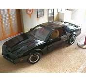 Pontiac Knight Rider K2000 Ertl Diecast Model Car 1/18