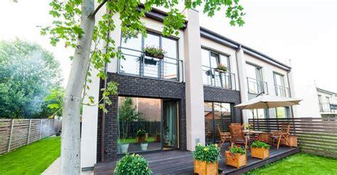 Garden Apartments by Garden Style Apartment Communities Outperform The Market