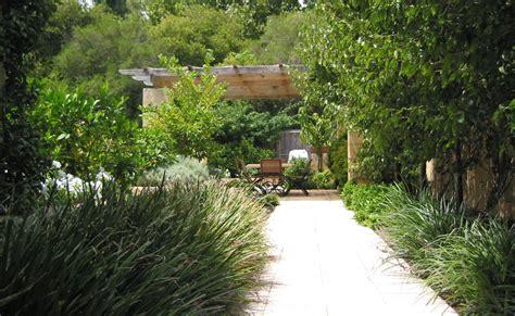 mediterranean garden design contemporary « Margarite gardens