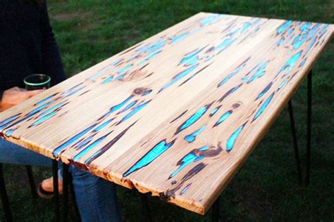 HOW TO: Make a stunning wooden table with glow in the dark