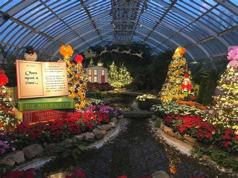 christmas lights pittsburgh 2017 5 things to do in pittsburgh for the holidays a