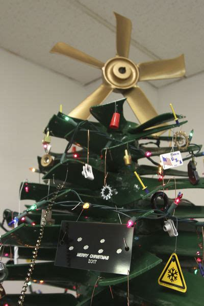 twin city fan aberdeen sd twin city fan workers use parts to make christmas tree