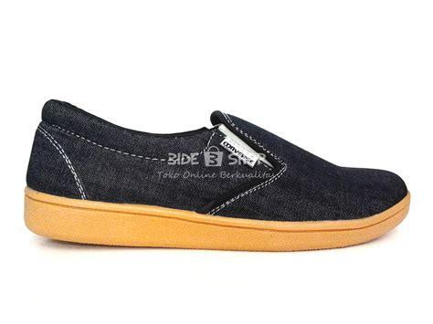 Sepatu Converse All Hitam Putih jual sepatu casual pria slipon hitam jahit putih converse