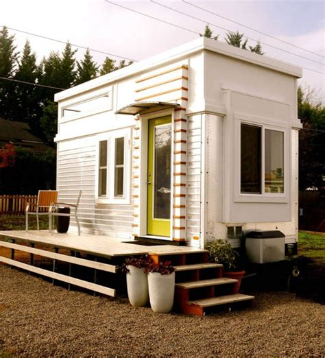modern tiny house a refreshing and unique contemporary style tiny home