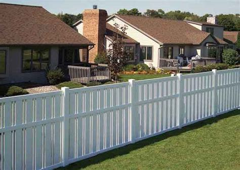 cost to fence backyard how much does it cost to fence in a yard