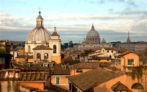 Rome City Guide By Tokobukuagung rome city guide introduction eurocheapo