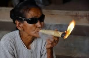 gambar foto orang merokok lucu terbaru 2016 bulandolar free