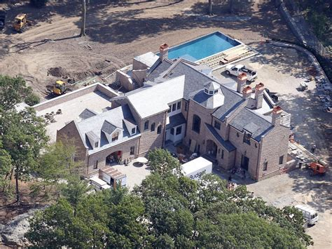 tom brady house brookline ma exclusive tom brady and gisele bundchen s new brookline massachusetts mansion is