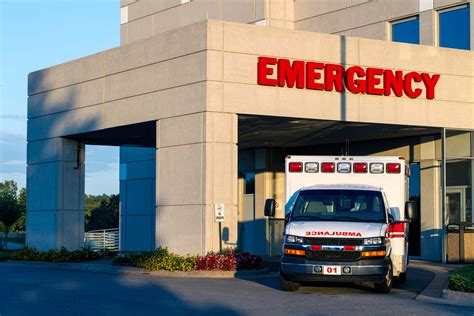 50 secrets the emergency room staff won t tell you ozonnews