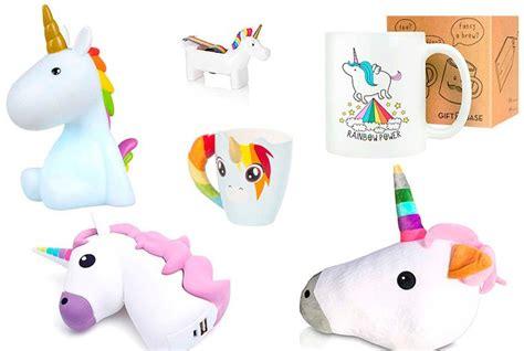imagenes uñas unicornio tendencias y regalos en forma de unicornios pintando una
