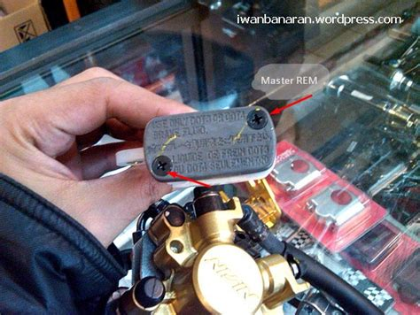 Minyak Rem Motor Honda cara dan langkah mudah mengganti minyak rem cakram pada