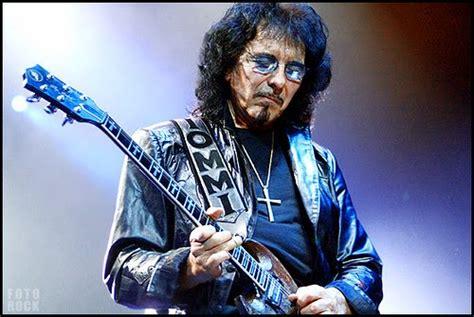 best heavy metal guitarists horns up rocks the top 10 heavy metal guitarists