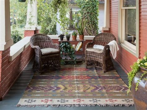 Who Sings Front Porch Looking In hgtv home town makeover nashville home makeover hgtv s decorating design hgtv