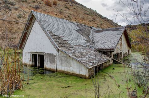 want to buy a ghost town in utah youtube thistle utah the flooded ghost town in 1983 a massive