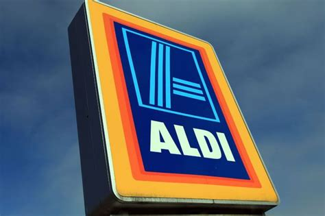 black friday 2015 what s happening at aldi lidl and