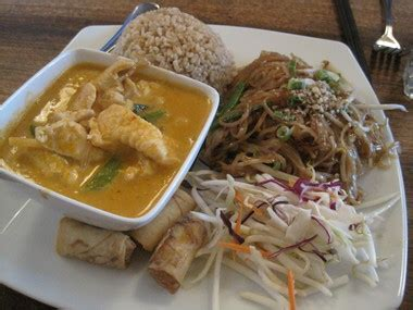 spice room seattle spice room thai restaurant seattle 98118