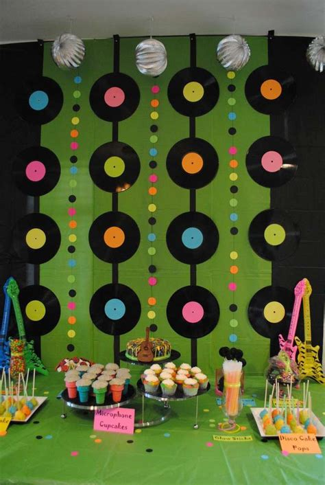 70 S 80 S Decorations by 70 S 80 S Decorations
