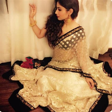 nagin 2 serial moni roy sari hd image mouni roy desi yet classy fashion pinterest