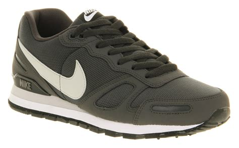 Nike Wafle Trainer Made In 05 lyst nike air waffle trainer in black for