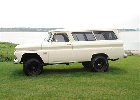 Power Lifier Blazer X4 1966 chevrolet suburban 2 door 4x4 60579