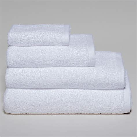 Imagenes De Toallas Blancas   toallas hoteleras peru toallas y toallones toallas