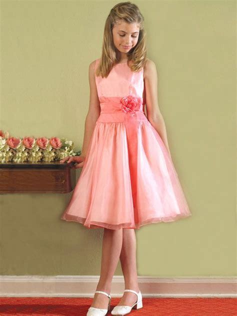 sissy boys that wear dresses boy in sissy flower girls dress very beautiful