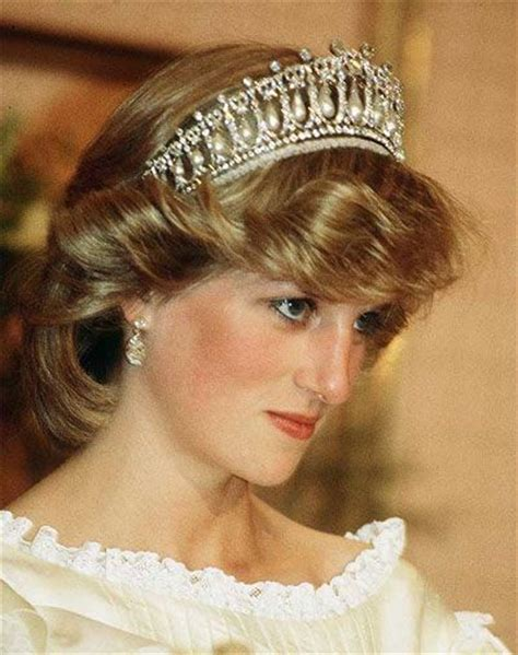 princess diana lovers princess di wearing the cambridge lovers knot tiara