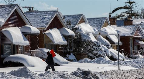 buy a house in chicago pro tips for buying or selling a house in winter chicago tribune