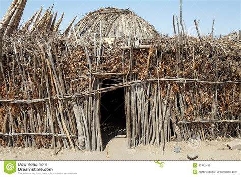 hutte africaine interieur hutte africaine image stock image 31372431