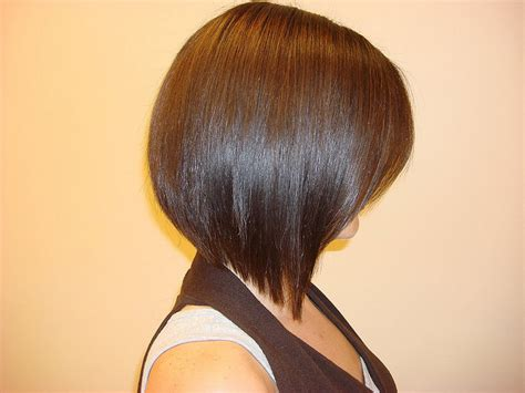 slanted hair styles cut with pictures angled bob pictures show front and back view how to cut