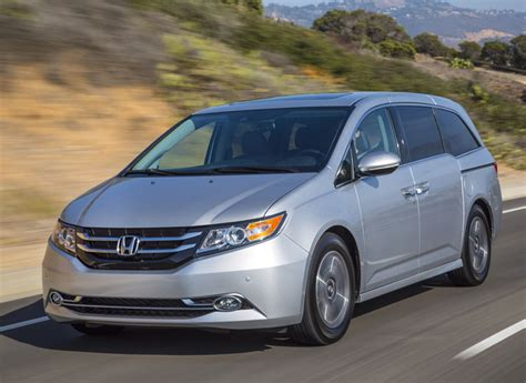 how make cars 2008 honda odyssey lane departure warning 5 family cars for holiday road trips and shopping consumer reports
