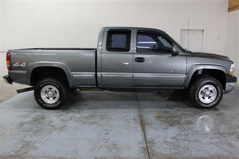 how to work on cars 2001 chevrolet silverado 3500 electronic valve timing 2001 chevrolet silverado 2500hd ls biscayne auto sales pre owned dealership ontario ny
