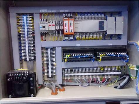 fungsi layout panel komponen panel listrik dalam instalasi listrik lintas
