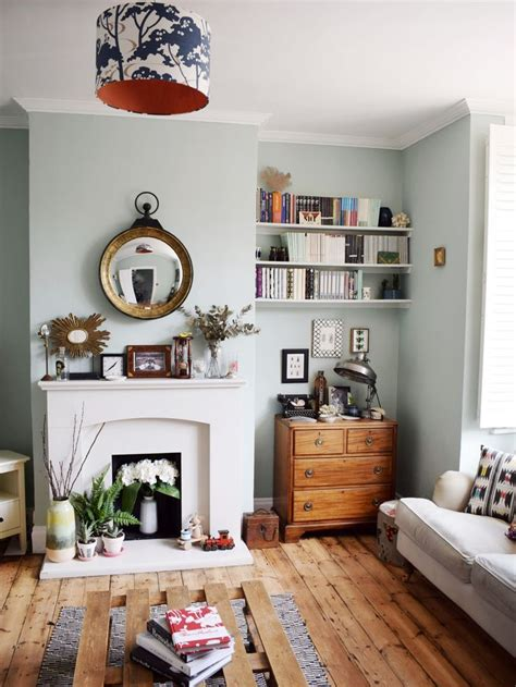 vintage livingroom 17 best ideas about leaning shelves on mobile