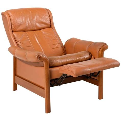 danish recliner danish modern teak and leather recliner 1960s at 1stdibs