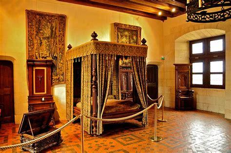 credenze medievali file amboise chateau king henri ii s chamber jpg