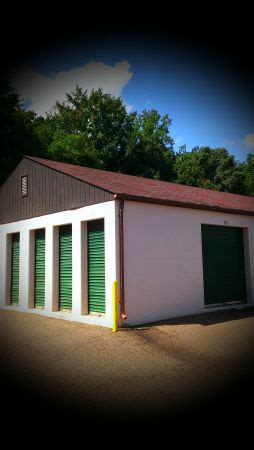 discount mini storage central road: lowest rates