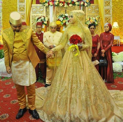 Henna Marun Dress Lace Gaun Pesta Manusia inspirasi gaun pengantin dengan tone kuning terlihat mewah co id