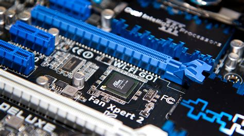 theoretical vs actual bandwidth pci express and