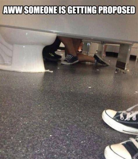 bathroom stall bj 24 random funny pics to twist up your crazy unwarped mind team jimmy joe