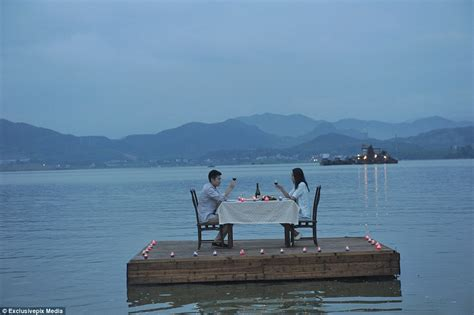 boat r nearby romantic floating restaurant opens in china