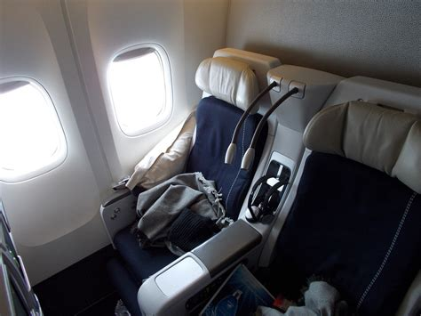 airplane comfort the ultimate guide to smart airline seat selection