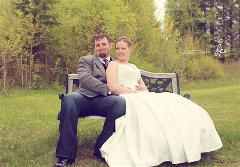 posing bench wedding photography posing ideas bride and groom sitting