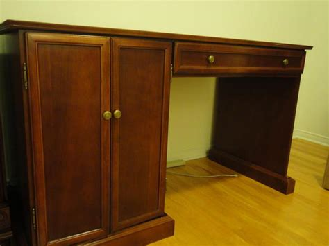 Bombay Company Desk by Bombay Company Desk Gloucester Ottawa